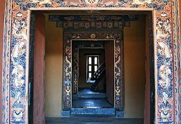 Door Hallway in Trongsa Dzong / castle
